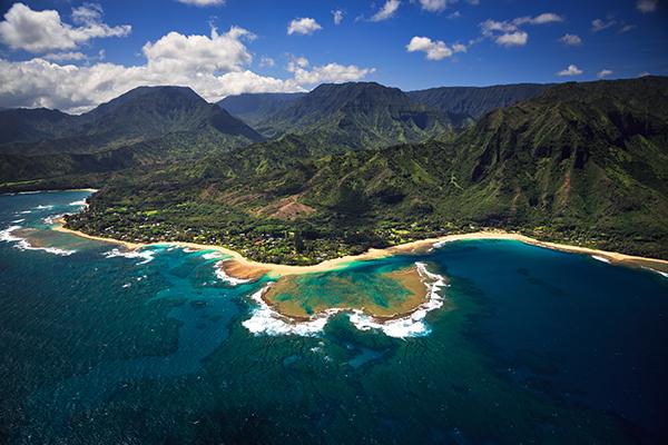 Tunnels Beach, a stop on Shaka Guide's North Shore Kauai Driving Tour