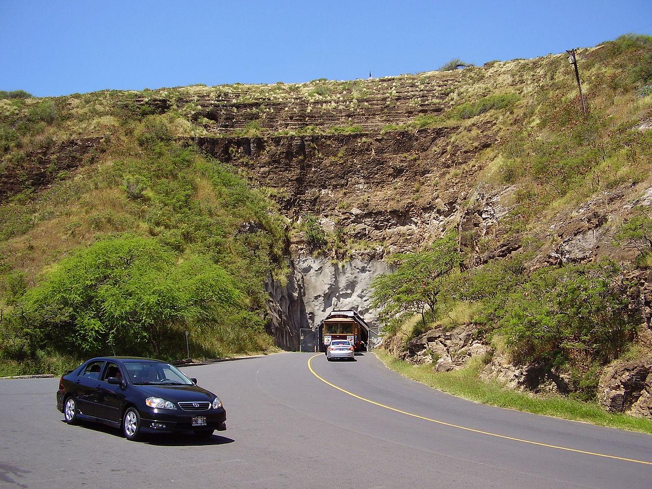 Diamond Head Tunnel and Travel Guide Shaka Guide Oahu Hawaii Audio Driving Tour